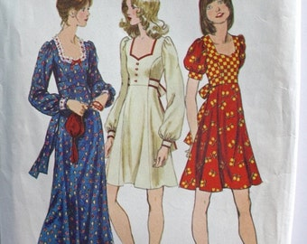 SALE 1970s Gunne Sax Style Dress . Vintage 70s Boho Hippie Short or Long Maxi Dress . RARE 1972 Simplicity Pattern 5347 . Bust 33
