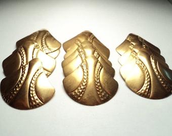 15 pcs. - Shield shape brass findings - bf4