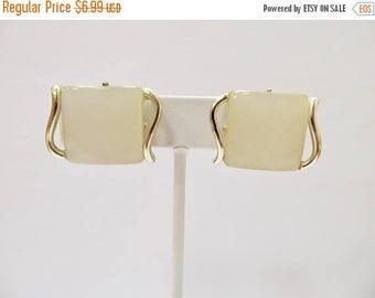 On Sale Vintage White Lucite Earrings Item K # 321