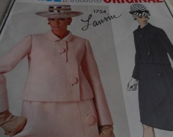SALE Vintage 1960's Vogue 1754 Paris Original Lanvin Suit Sewing Pattern, Size 16 Bust 36