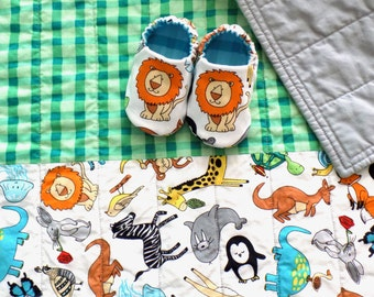 Animals Baby Boy Quilt with Baby Shoes, Baby Boy Gift Set, READY TO SHIP, Loins and Animals, Baby Quilt, Animals Baby Blanket, Baby Gift