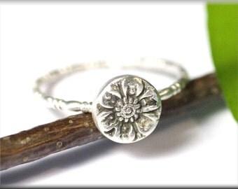 Ring, flower, love, engagement, Margarite, romantic