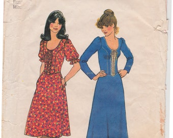 "70s Ultra-Boho Lace-Up Dress! Misses' Dress in Two Lengths Vintage Sewing Pattern [Simplicity 7327] Size 10, Bust 32.5"", Complete"