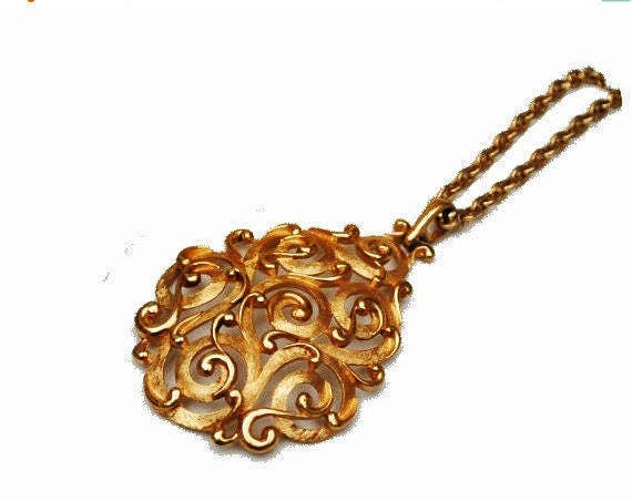 Crown Trifari  necklace - Domed  Pear shaped Pendant - Gold filigree - Mid century Vintage Jewelry