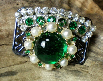 Green rhinestone and pearl pin. Recycled jewelry,Handmade jewelry,Repurposed jewelry,Upcycled jewelry,Free USA shipping,Made in USA/Michigan