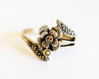Sterling Marcasite Flower Ring,      Size 7.5