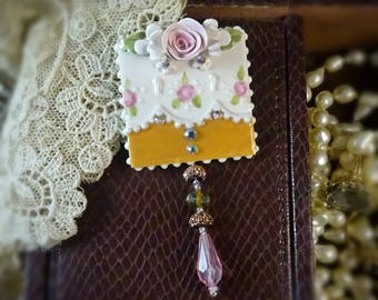 Brooch Pink and Gold Lace Pin