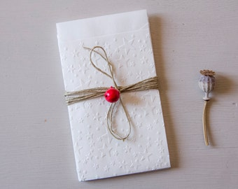 """Set of 10 white paper bags, embossed stars , wedding bags, xmas bags lot of 10  3,42""""x 5,11"""" plus the flap"""