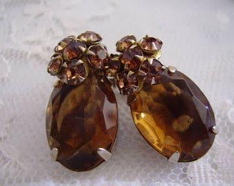 Vintage TOPAZ Rhinestone Clip Earrings