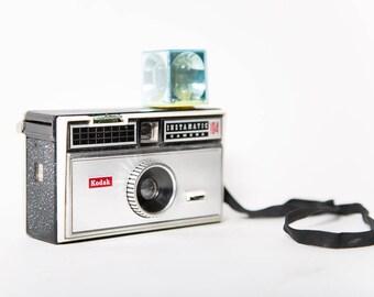 Kodak Instamatic 104 Camera With Flash Vintage Photography