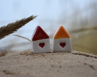 Small HOUSE with Heart / Small Ceramic House with Orange Roof / Rustic Beach Decor / Birthday favor / Wedding favor / Home Decor