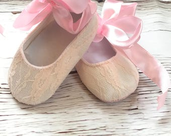 Lace Baby Girl Shoes Pink Lace Baby Girl Booties Mary Jane Crib Shoes White Lace Baptism Shoes Lace Christening Shoes Baby Girl Crib Booties