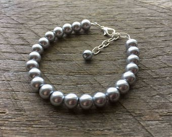 Grey Pearl Bracelet Silver Bridal Bracelet One Single Strand Simple Pearl Bracelet on Silver or Gold Chain