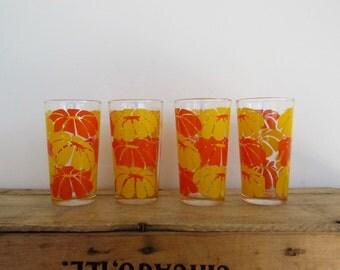 4 Daisy Drinking Glasses