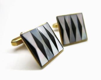 Vintage cufflinks |  Mother of Pearl and Onyx Cufflinks