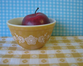 Pyrex Butterfly Gold Mixing Bowl # 401 - Pristine - Small -  Nesting  - Vintage 1970's