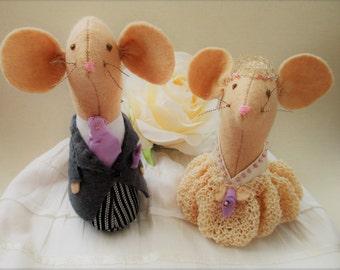 Wedding Cake Toppers, Church Mice,Handmade Bride & Groom, Wedding cheesecake