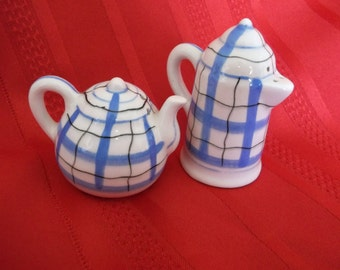 Coffee & Teapot Salt and Pepper Shakers Blue and Black Design Japan