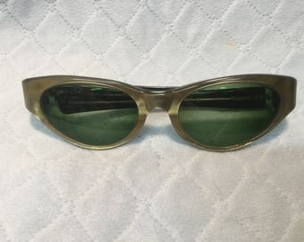 "Stunning Pair of 1950's Ladies Cats Eye Style Frames by American Optical ""Promenade Cosmetan"""