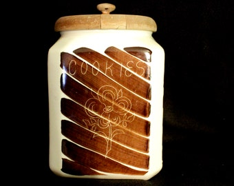 Vintage 70's Ceramic Cookie Jar
