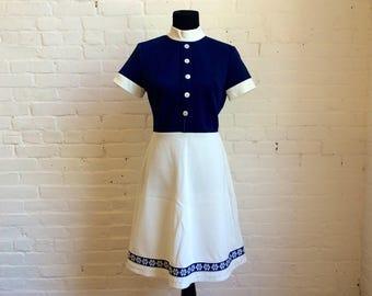 vintage 60s / 70s dark navy and white floral trim button turtle neck A-line dress women's size 12