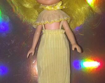 VTG 1984 Rose Petal Place Daffodil doll