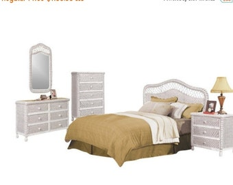 Santa Cruz white wicker bedroom set