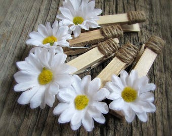 Daisy Favors, Daisy Place Card Holders, Clothespin Magnets, Photo Holder, Picture Hanger, Rustic Wedding Decor, Spring Party Decorations