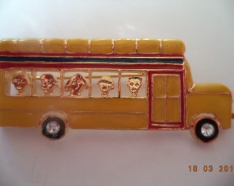 Vintage Unsigned Yellow School Bus Brooch/Pin  Very Cute