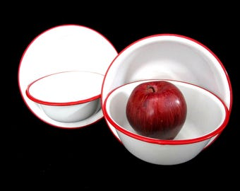 Vintage Enamelware Bowls, Set of 4, White Red Trim, Metal Bowls, Farmhouse Cottage Decor, Very Good Condition
