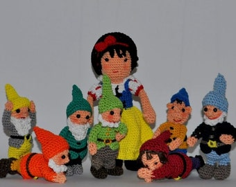 snow white and the seven dwarfs Amigurumi crochet pattern