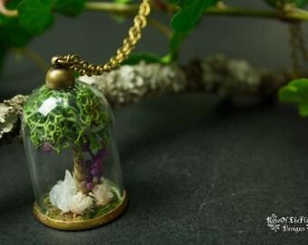 Crystal terrarium necklace. Moss terrarium jewelry. Tree necklace. Quartz jewelry. Nature inspired