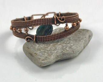 """Antiqued Copper Wire Woven Bracelet with Kyanite Focal Bead - Simply Blue - 7"""""""