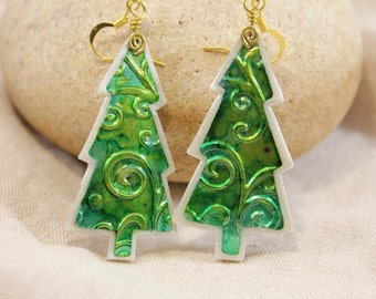 Lg Green embossed tree earrings