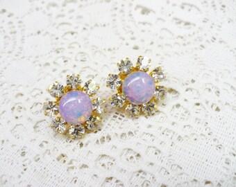 Vintage Lavender Opalescent RHINESTONE Stud Earrings - gold tone metal - Bridal - BRIDESMAID - WEDDING stud earrings - Vintage repurposed