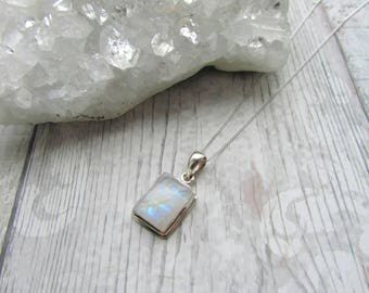 Rainbow Moonstone Gemstone 925 Sterling Silver Pendant Necklace Natural Rainbow