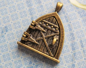 Fairy Door Locket Pendant, 25mm Brass, Magnetic Closure, 1 Piece- Item 3681