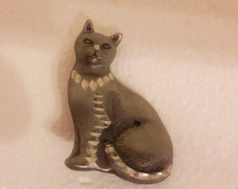 Beautiful  Vintage Gunmetal Gray Cat Pin