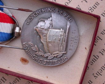 french vintage 1980s silver  olive leaves french woman republique francaise by minister Signed medal TRAIN locomotive in box