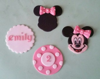 12 edible Minnie mouse cupcake toppers