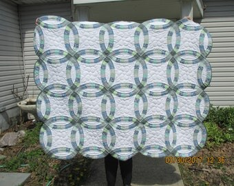 New Color combination in Double Wedding Ring Quilt