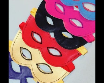 Reversible super hero masks and cuffs by Crafty Pear