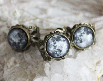 Moonlight .  full moon ring victorian witchcraft pagan jewelry.