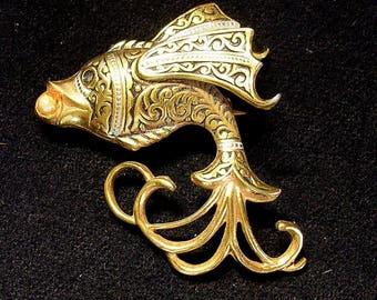 Siamese Fighting Fish Pin