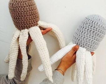 Crochet octopus in organic cotton