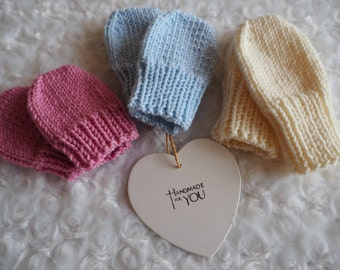 knitted baby mittens/knitted mittens/scratch mittens/knitted baby gloves/merino wool mittens/baby mittens/new baby girl/boy gloves.