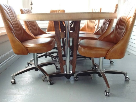 Vintage Chromcraft Kitchen Table And Chairs