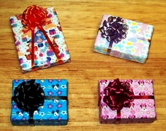 Dollhouse Miniature Wrapped Packages, Disney Mickey, Minnie, Winnie the Pooh Presents, with Puff Bow, Set of 4