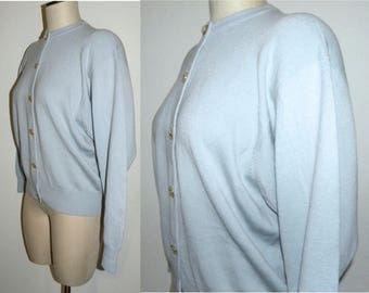1980's 80s Ballantyne Scotland Cardigan / SWEATER / Pale Blue Wool / Kitten pin up / classic / Vintage size 42
