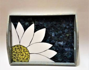 Stained Glass Daisy Mosaic Wooden Serving Tray, Unique Stained Glass, Mosaic Tray, Stained Glass Flower, Colorful Glass Art, Display Tray